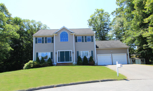 Room For Rent In Westwood Ma