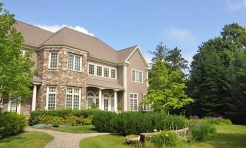 Front Exterior Photograph of 447 Sandy Valley Road in Westwood MA