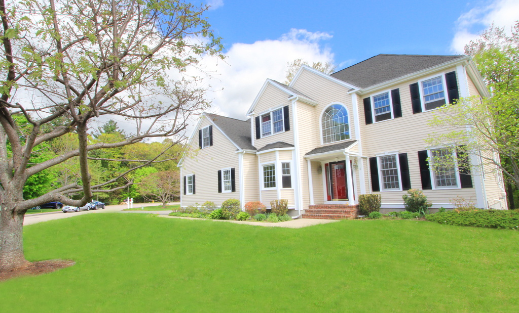 15 Blue Jay Road, Westwood MA