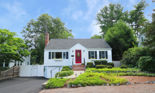 New Listing First Glance! Lakeshore Drive, Westwood MA