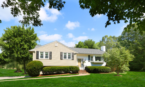 New Listing First Glance! Meadowbrook Road, Westwood MA