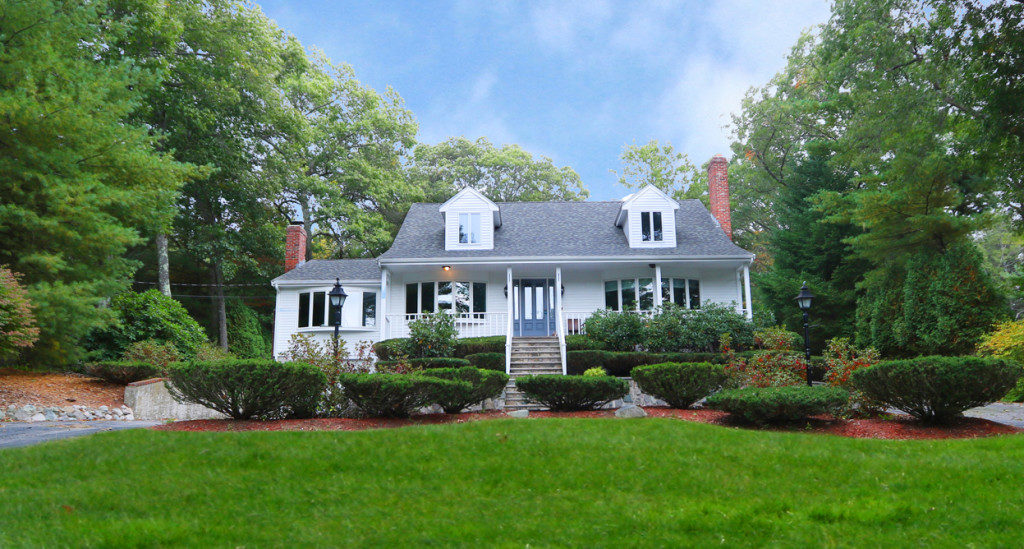588 Canton Street, Westwood MA - Recently Renovated Cape For Sale