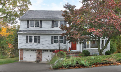 Front Exterior Photograph of 105 Conant Road in Westwood MA