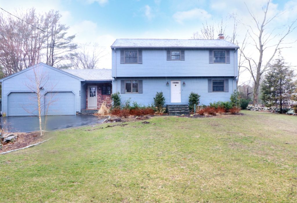 425 Canton Street, Westwood MA Under Agreement