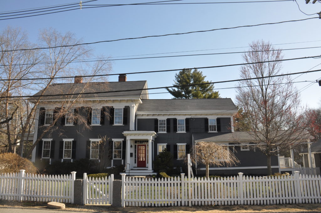 Front Exterior Photograph of 902 High Street in Dedham MA