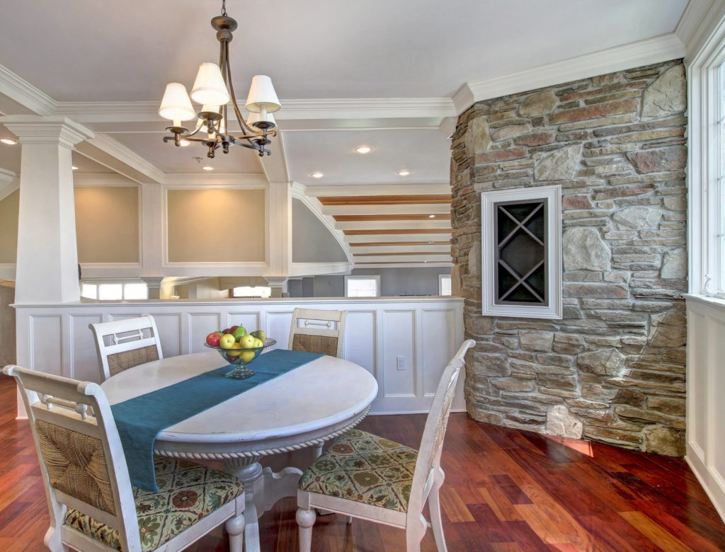 Interior Photograph of Active Listing For Sale